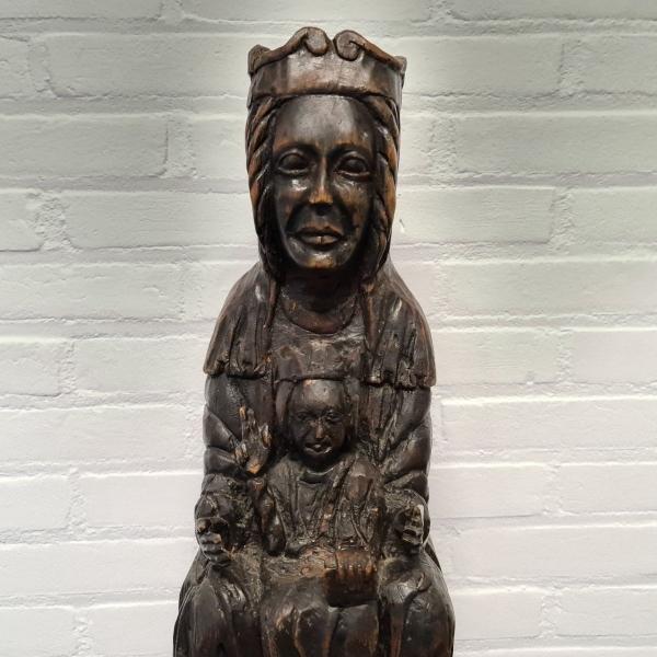 Handgestoken sculpture, 19e eeuws. Hoogte 57 cm
