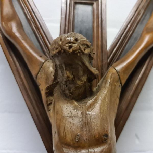 Prachtig laat 19e eeuws corpus christi op staand kruis. Hoogte 64