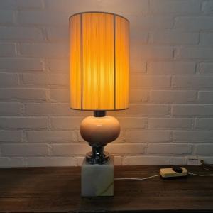 Jaren 70 marmeren tafellamp. Hoogte 58 cm