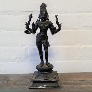 Gepatineerd bronzen Indiase sculpture. Hoogte 26 cm