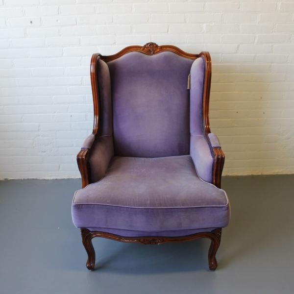 Louis XV-stijl fauteuil met velours bekleed en los zitkussen