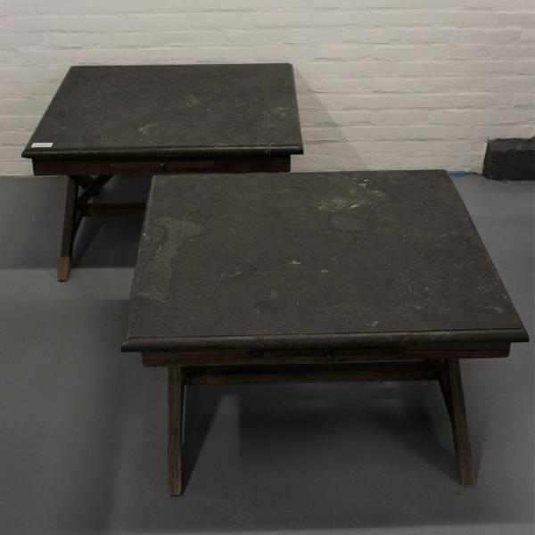 stel hardhouten salontafels met hardstenen blad. 80 x 80
