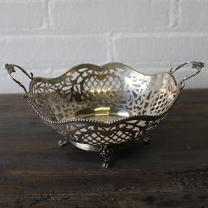 Hollands zilveren ajourgezaagde mand, jaar 1966. Lengte 23 cm